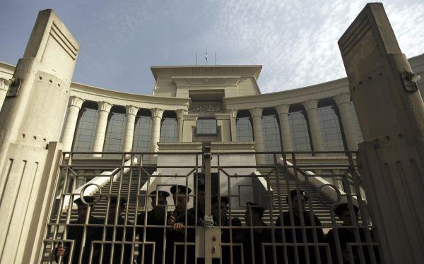 Se agudiza la crisis en Egipto: Tribunal Constitucional se declaró en huelga