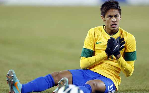 Del Bosque dice que Neymar no está a la altura de Messi