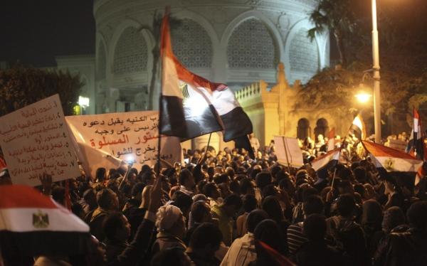Egipto: protestas contra Mursi llegaron hasta las puertas del palacio presidencial