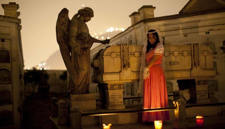 Los 5 Cementerios Mas Extraños Y Aterradores