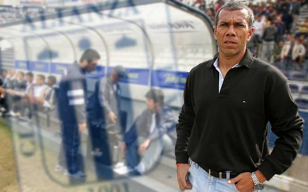 Wilmar Valencia, ¿el técnico que dirigirá a Alianza Lima en el 2013?