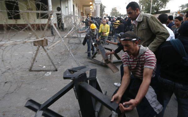 Egipto: opositores y partidarios de Mursi vuelven a salir a las calles