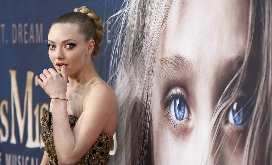 """FOTOS: celebridades derrochan belleza y glamour en la premiere de """"Los"""