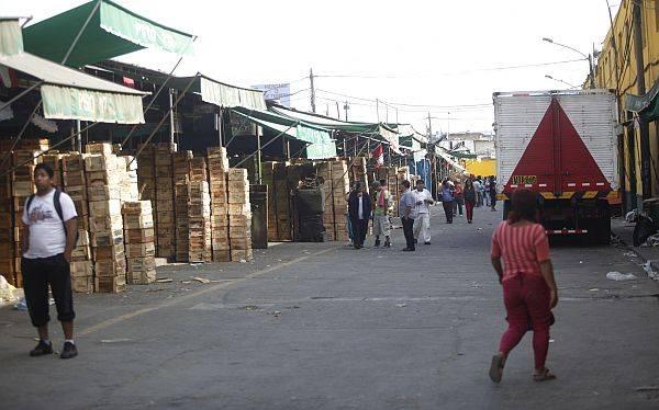 Villarán anunció la construcción de un mercado minorista en Santa Anita