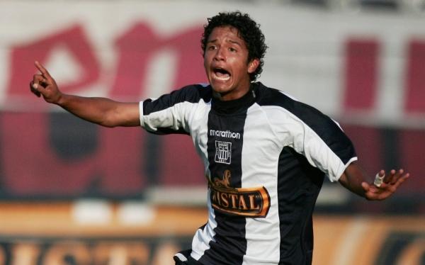 Reimond Manco está en los planes de Wilmar Valencia para Alianza Lima