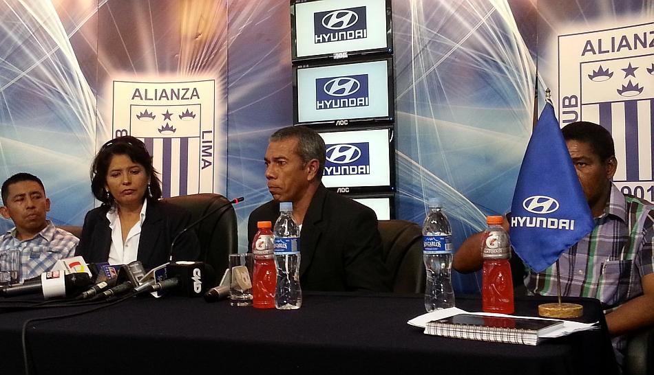 FOTOS: Las postales que dejó la presentación de Wilmar Valencia como flamante técnico de Alianza Lima