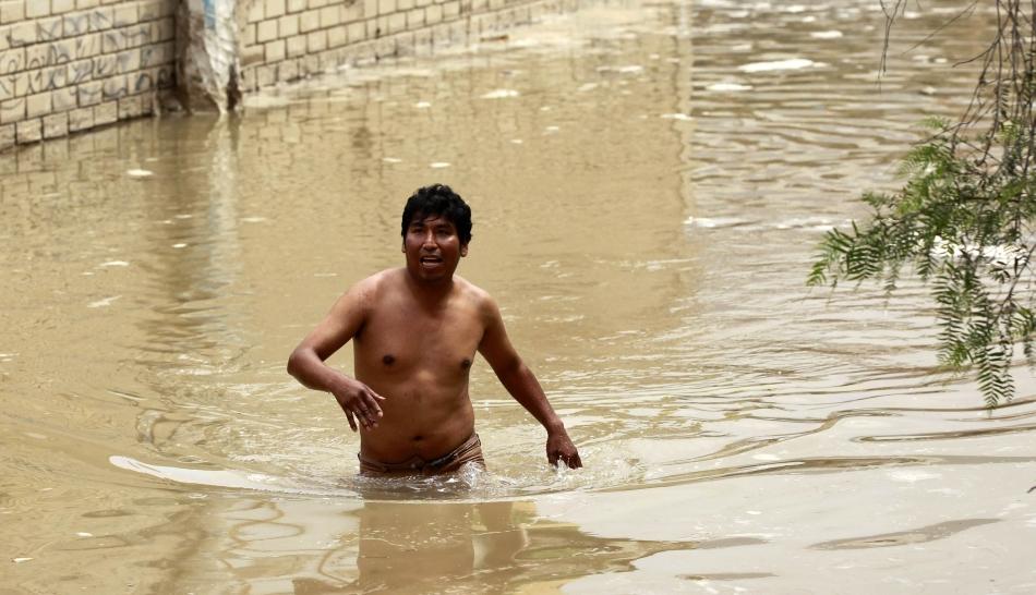 Sedapal entregó 108 indemnizaciones a damnificados por inundación en VMT