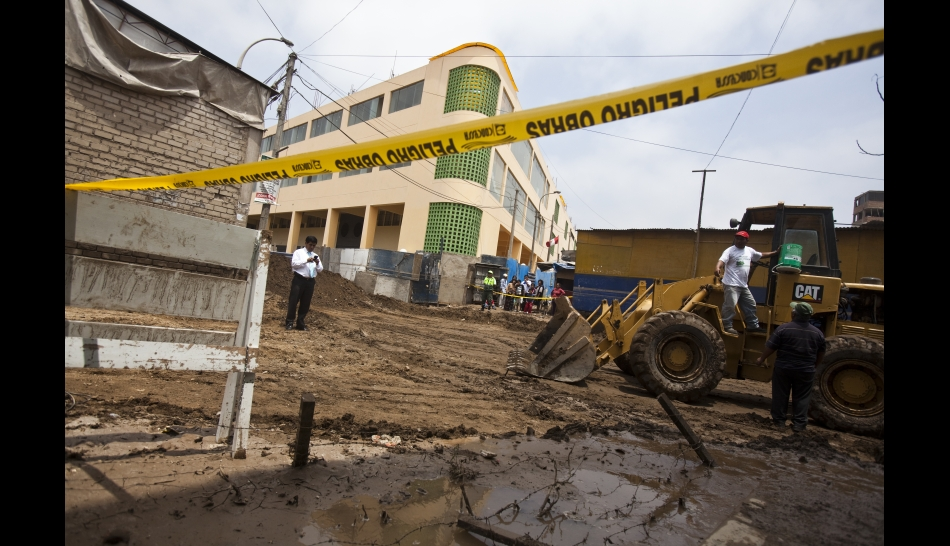 FOTOS: así está Villa María del Triunfo, un día después de la inundación que afecta a decenas de familias
