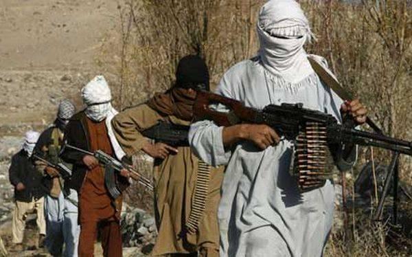 Pakistán: talibanes se oponen a programas de vacunación contra la polio