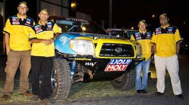 Duro 4x4 presentó a sus pilotos para el Dakar