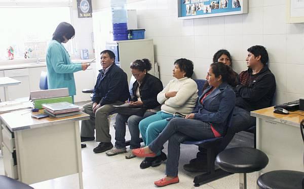 Pacientes de hospitales públicos podrán sacar citas por teléfono o Internet