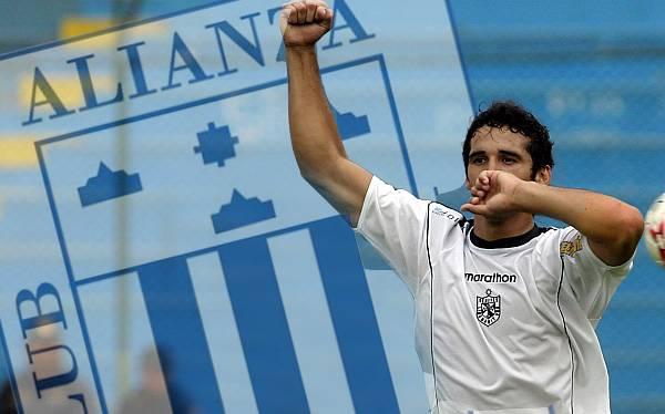 Alianza Lima tiene en la mira a un chileno y un argentino para su delantera