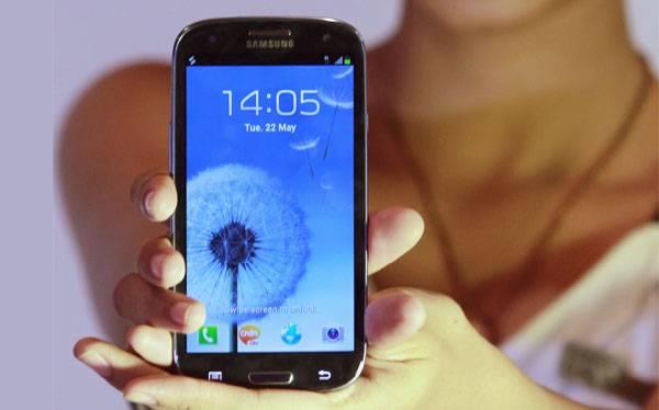 RECUENTO 2012: El Galaxy S III de Samsung frenó al iPhone de Apple