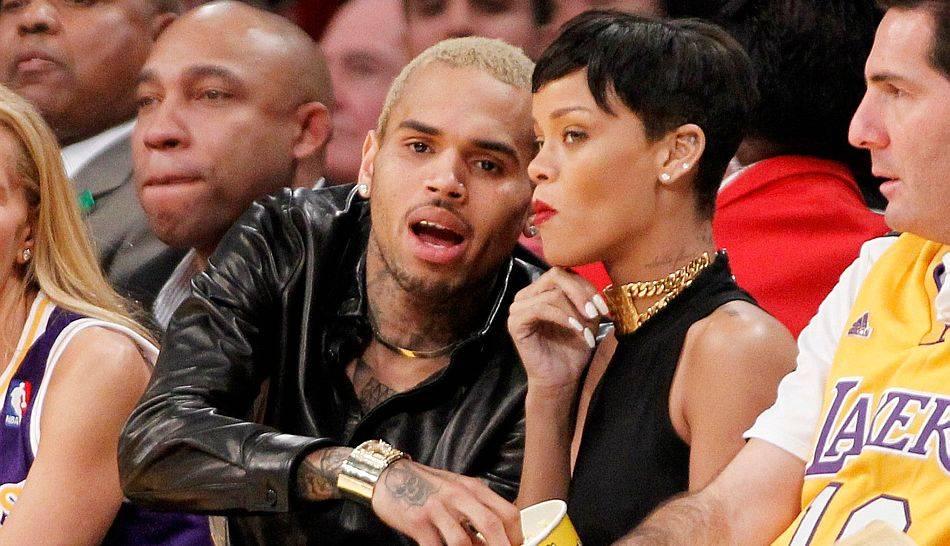 FOTOS: Rihanna y su ex novio Chris Brown se dejan ver juntos en partido de la NBA