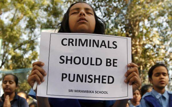 Detenidos por violar a una joven india podrían ir a cadena perpetua