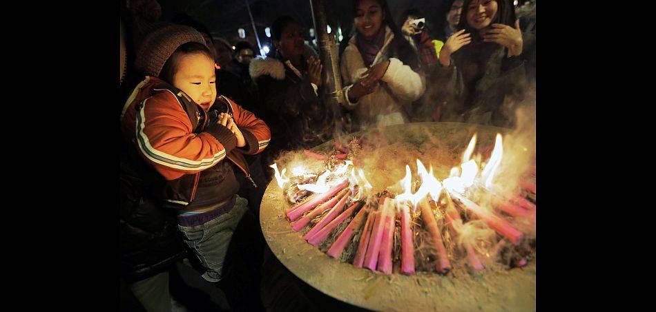 FOTOS: así se celebra en ciudades del Asia la llegada del 2013