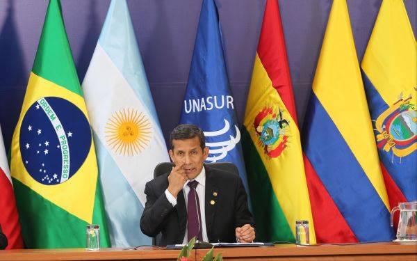 Presidente Humala convocaría a reunión de Unasur por incidente de Evo Morales en Europa