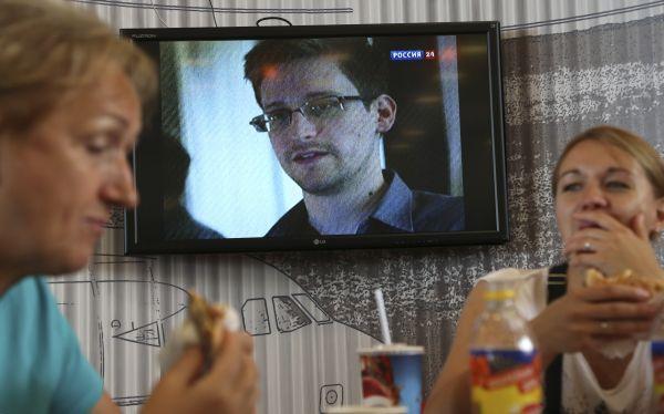 Snowden retiró solicitud de asilo en Rusia tras no aceptar condiciones de Putin