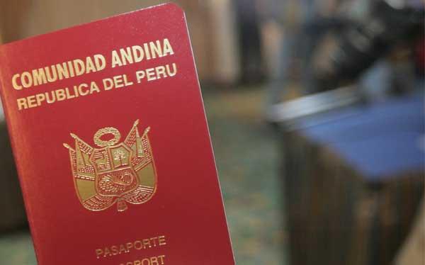 Caso Edward Snowden: ¿cuándo se puede viajar legalmente sin un pasaporte?