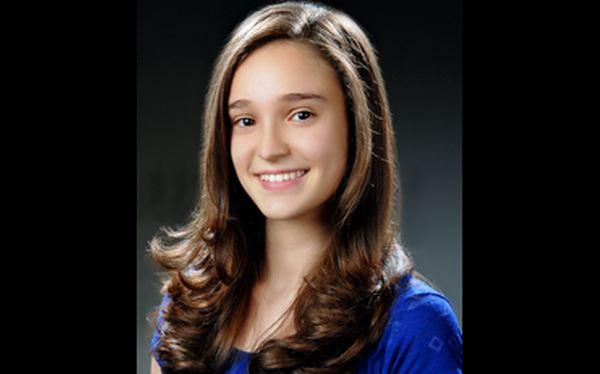 Adolescente turca fue premiada por producir plástico con cáscaras de plátano
