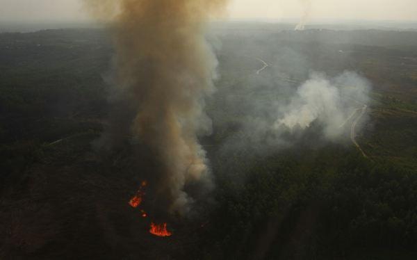 Indonesia tardará más de un mes en apagar los incendios de Sumatra