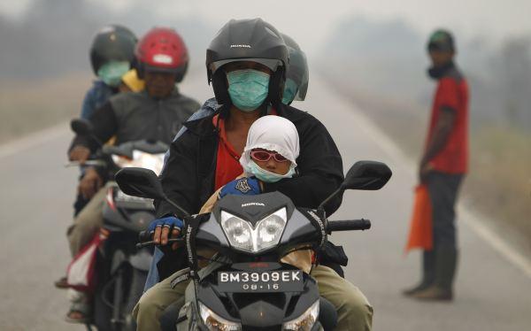 Más de 10 mil intoxicados por contaminación del aire en Indonesia