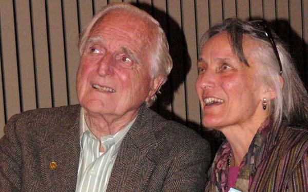 Falleció Douglas Engelbart, el inventor del mouse y uno de los padres de la PC
