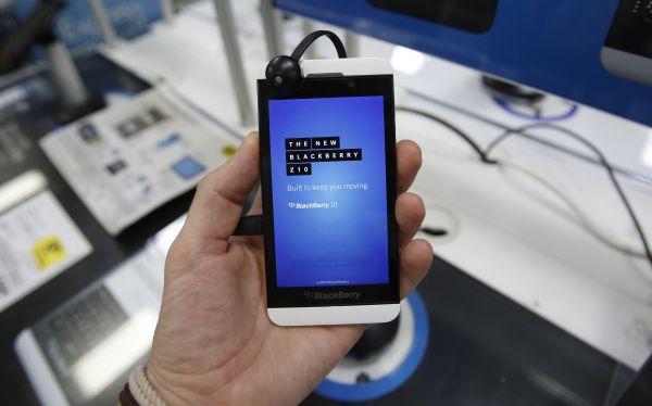 BlackBerry sucumbe ante la competencia y remata el Z10 a US$49,99