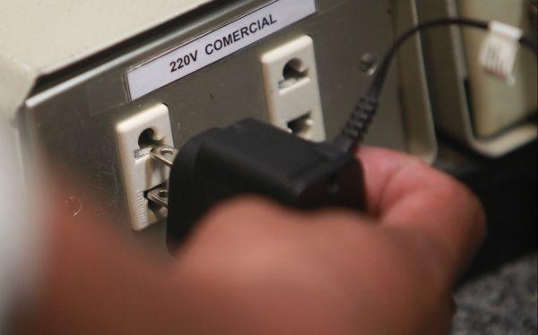 Consejos para evitar daños o accidentes con el cargador de tu celular