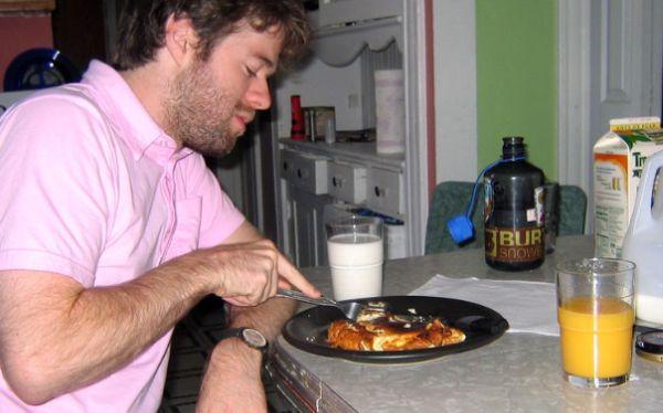Hombres que no toman desayuno tienen más riesgo de sufrir ataques cardíacos