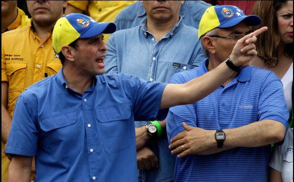 Colaborador de Henrique Capriles está bajo orden de captura