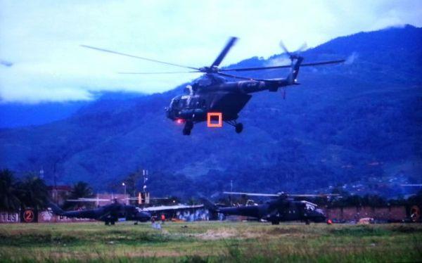 Helicópteros retornaron desde Llochegua a la base de Pichari, en Cusco. Uno de ellos transportaba civiles, entre ellos varios niños. (Foto en exclusiva: Rolly Reyna)