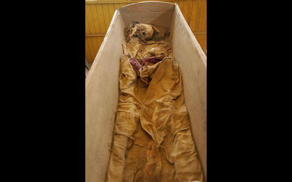 En la huaca Mateo Salado han sido hallados los restos de un descendiente de inmigrantes chinos, que fue enterrado entre finales del siglo XIX y principios del XX. (Foto: Ministerio de Cultura)