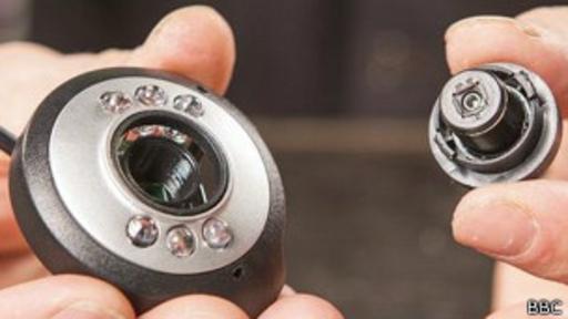 Aprende a convertir tu webcam en un microscopio