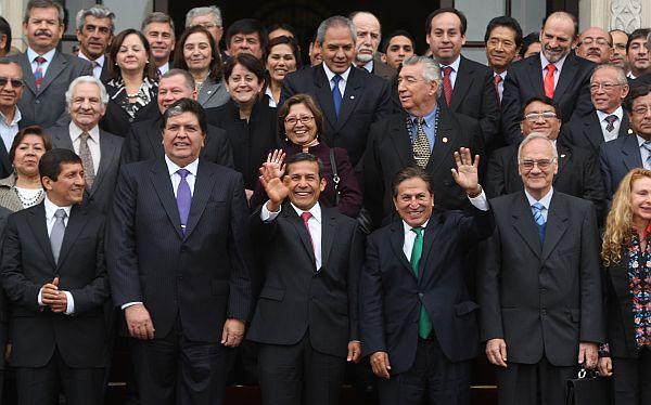 El diálogo debe traducirse en una nueva relación entre partidos, según analistas