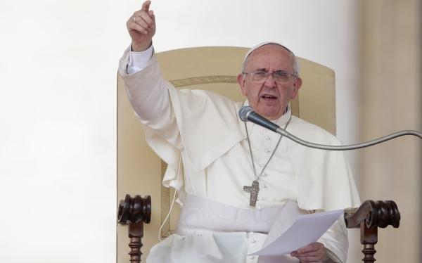 """Papa dice a los no creyentes: """"Dios perdona a quien obedece a su conciencia"""""""