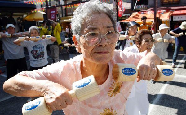 Japón batió récord con más de 54 mil personas mayores de 100 años