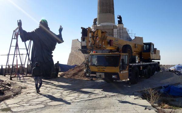 Instalan una estatua gigante de Jesús en Siria