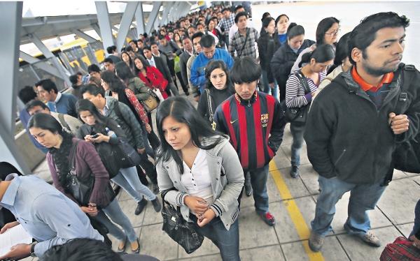 Estaciones del Metropolitano funcionan sin licencia ni certificado de seguridad