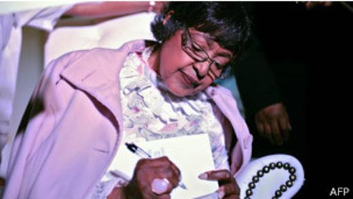 Winnie Mandela fue una de las grandes alegrías y mayores tristezas en la vida de Mandela.