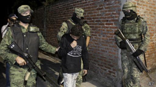 El Ponchis es sólo uno de los miles de adolescentes mexicanos reclutados por el narcotráfico