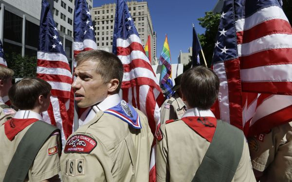 Estados Unidos: Boy Scouts aceptarán a jóvenes homosexuales en enero