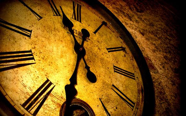 La insólita manera en que los científicos buscan viajeros del tiempo